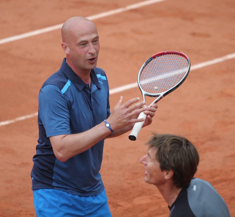 Медведев и Хаархус проиграли в финале Турнира Легенд на Ролан Гаррос