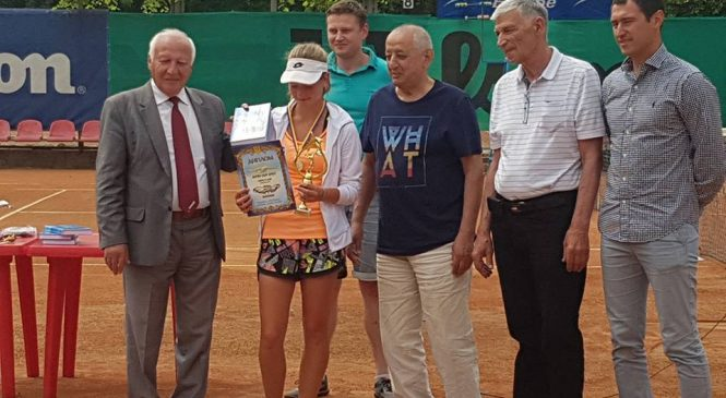 Любовь Костенко выигрывает Кубок Антея в возрастной категории 16 лет и младше