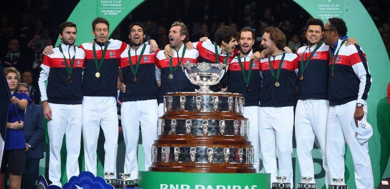 Ведущие политики Франции поздравили сборную