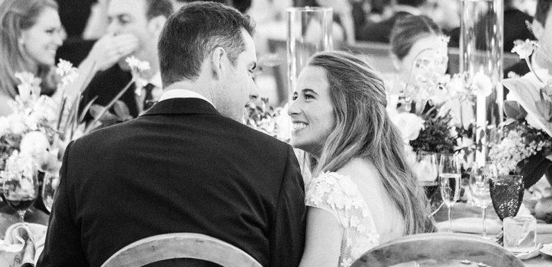 Джон Иснер женился