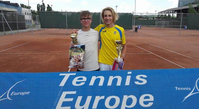 Самофалов выигрывает титул на юношеском турнире в Кишиневе