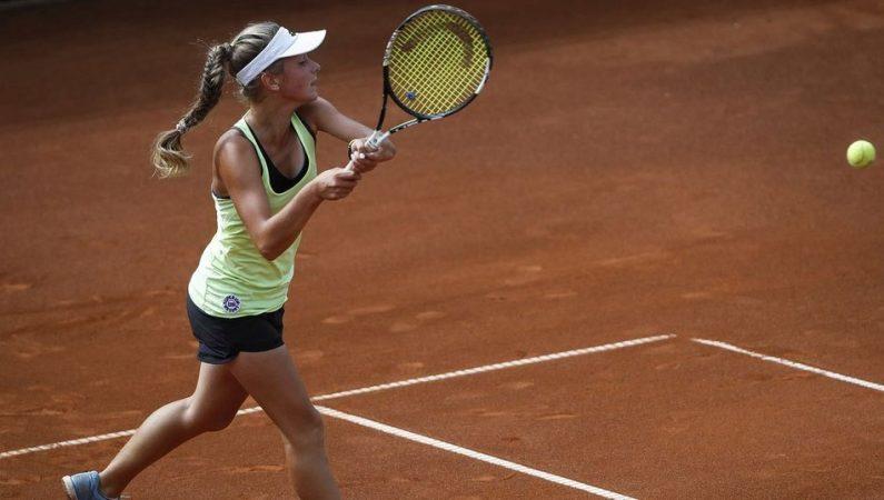 Любовь Костенко выигрывает титул на юношеском турнире в Кишиневе