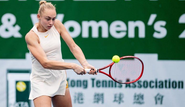 Лопатецкая проходит в четвертьфинал на турнире в Кофу