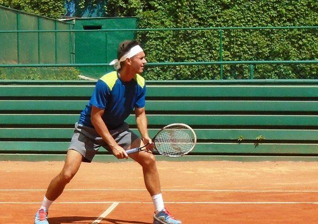 Орлов выходит в четвертьфинал крупного фьючерса в Нонтамбури