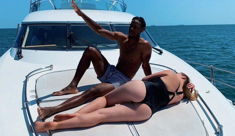 Свитолина и Монфис поделились фотографией отдыха на яхте на Черном море
