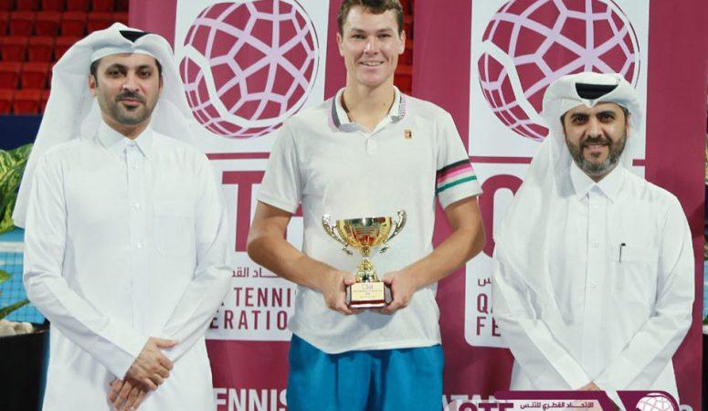 Марат Девятьяров выигрывает титул на фьючерсе в Дохе
