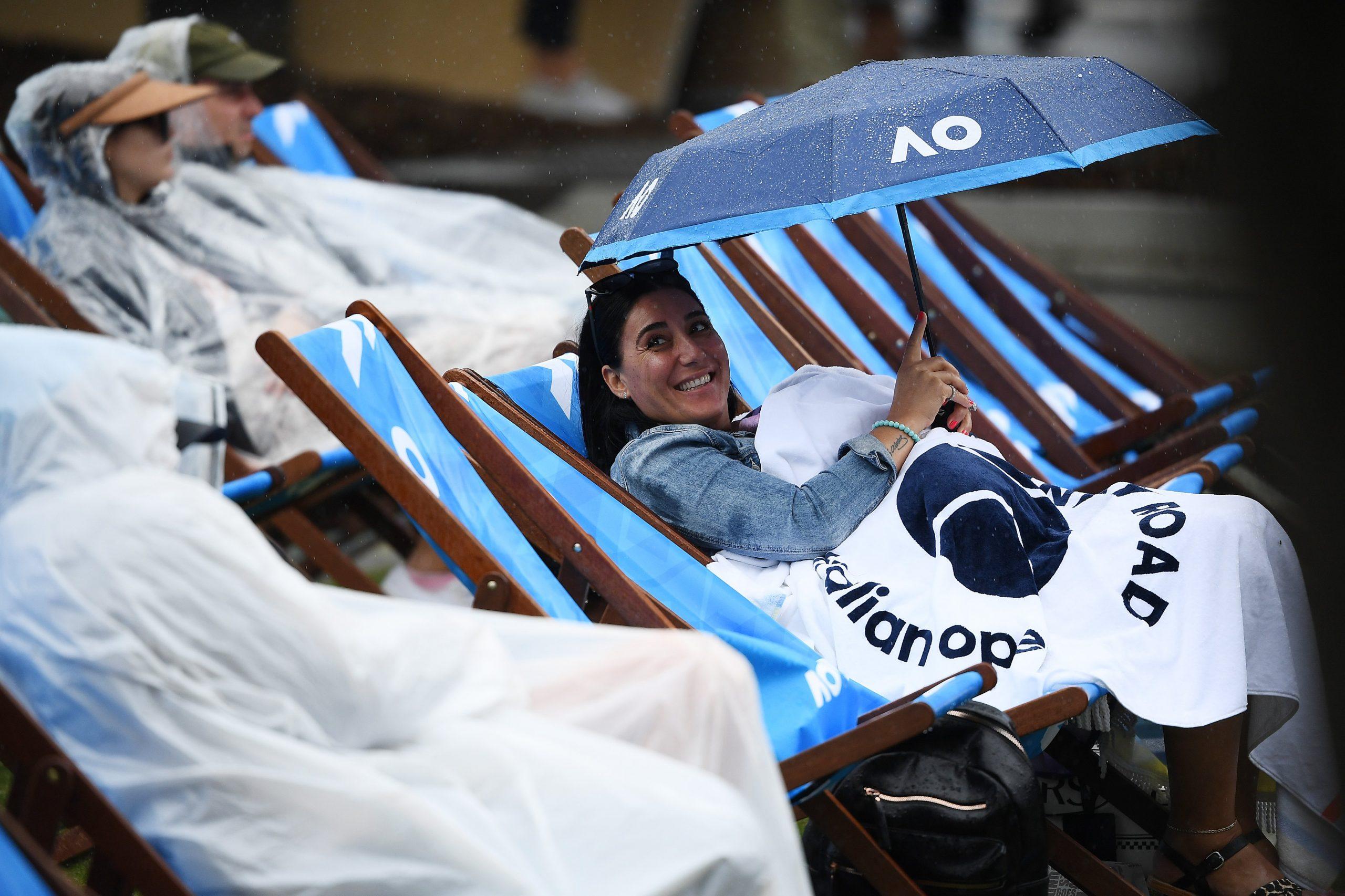 AUS Open. В Мельбурне дождь. Большинство матчей отложено