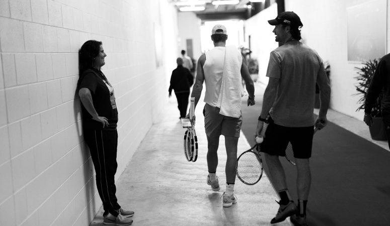 Видео: Как Рафу Надаля не хотели пускать в зону игроков