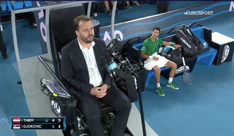Видео. Джокович получает два предупреждения за затяжку времени и отыгрывается на судье